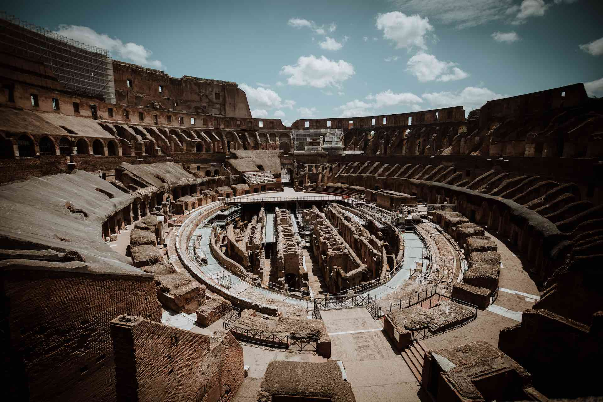 Colosseum Longshot Pix Around You