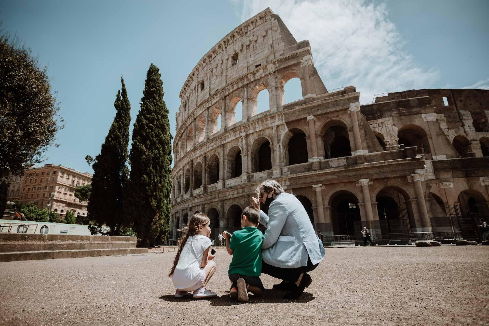 Pix comprimido por el Coliseo de Roma Tour =