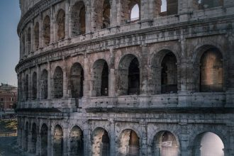 VIP Colosseum Underground Tour with Ancient Rome