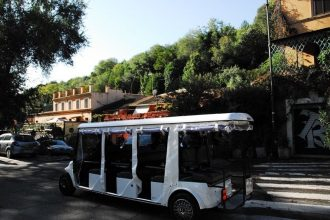 Rome Golf Cart Tour and Testaccio Food Tastings