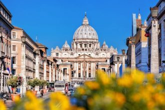 Triple the Roman Experience: Sistine Chapel, Colosseum & Italian Cooking Class