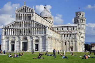 Pisa and Lucca Tour from Florence