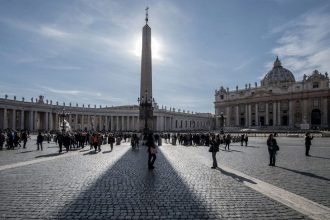 Sistine Chapel Tour with VIP Earliest Access | Private