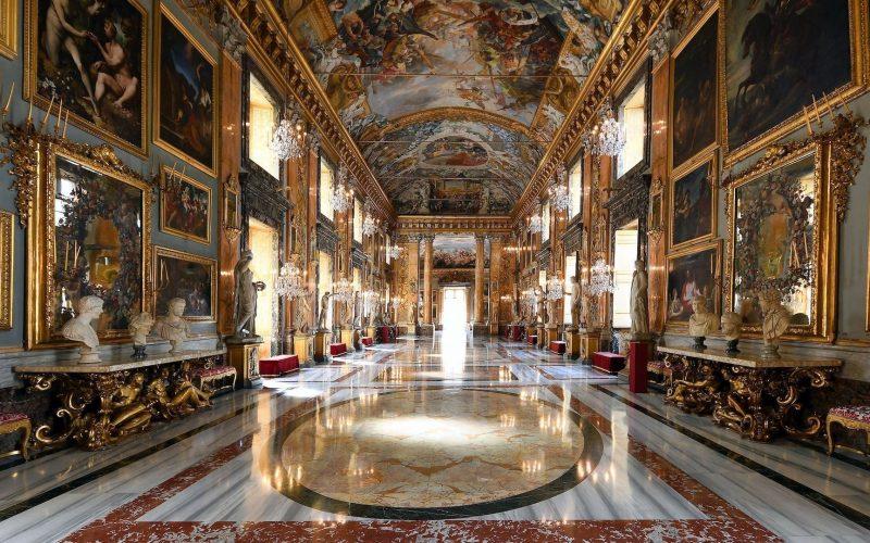 Imagen destacada del pasillo del Palazzo Colonna